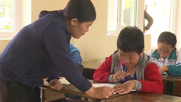Học sinh bị tát 231 cái: Nỗi sợ hãi vì... phải tát