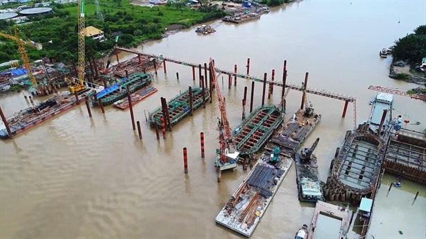 Tốn hàng nghìn tỷ chống ngập vì sao phố vẫn thành sông?