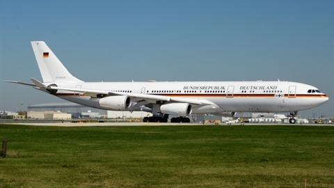 Airbus A340 chở Thủ tướng Đức phải hạ cánh khẩn cấp