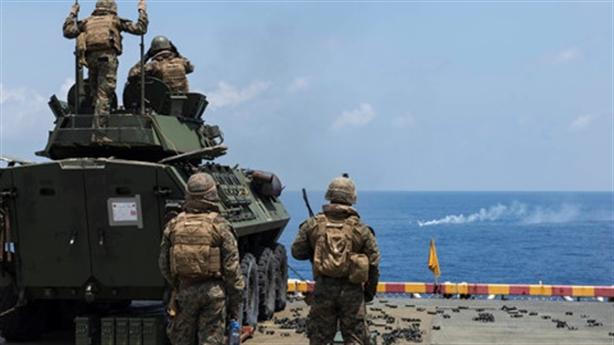 Mỹ tập chặn đòn tấn công từ tàu nhỏ trên Biển Đông
