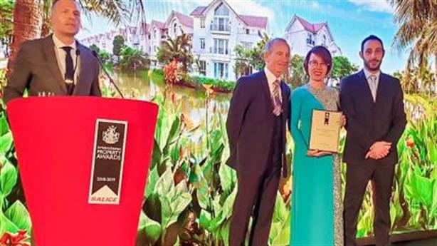 """Vinhomes Riverside được vinh danh là""""Bất động sản tốt nhất thế giới""""2018"""