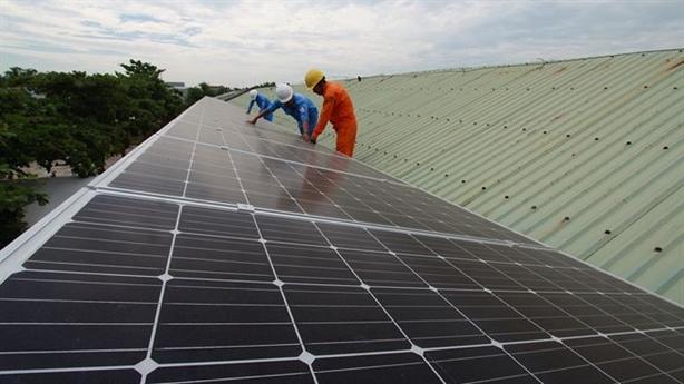 Điện mặt trời áp mái: Vẫn chưa bán được cho EVN