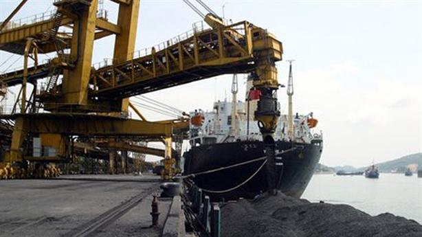 Giá than Việt Nam nhập từ Trung Quốc tăng mạnh