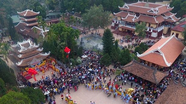 Siêu dự án tâm linh ở Chùa Hương: Mối lo bêtông hóa...