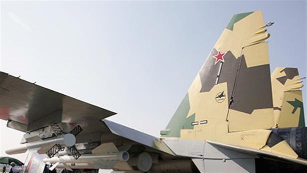 Chuyên gia Mỹ tranh luận Su-35 đủ sức đấu F-22?
