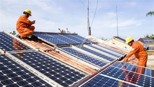 Lo điện mặt trời theo vết xe đổ Trung Quốc: Khó hiểu