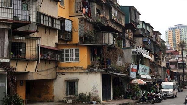 Đề xuất đánh sập chung cư cũ: Tránh chuyện 'tầm phào'!