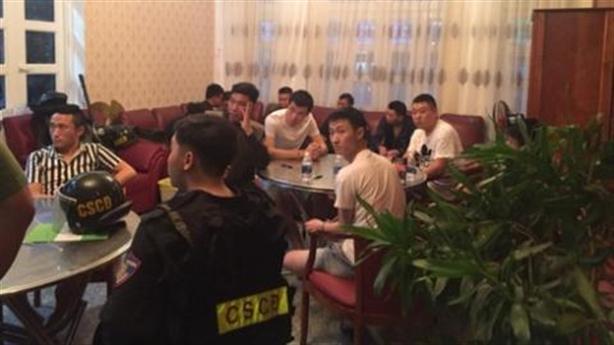 22 người Trung Quốc thuê khách sạn, biệt thự đánh bạc