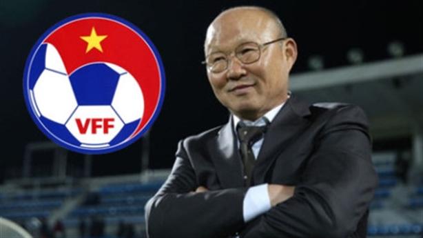 Tăng lương cho thầy Park: VFF không lo vì có bầu Đức?