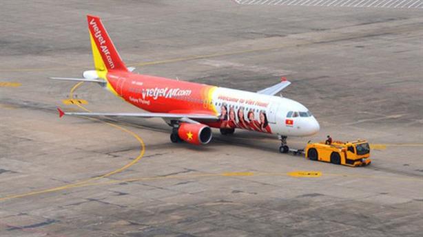 Máy bay VietJet liên tục gặp sự cố: Do phi công