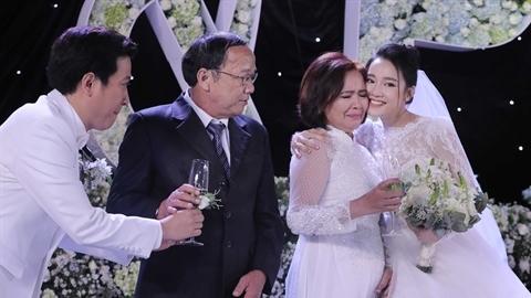 Showbiz Việt 2018: Nhiều đám cưới, lắm chia tay ồn ào