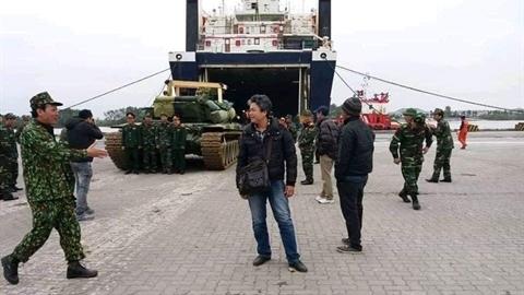 Nóng: Việt Nam bắt đầu tiếp nhận xe tăng