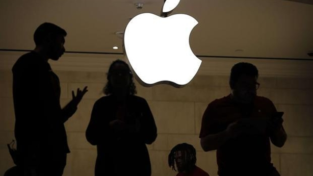 iPhone gặp khó ở Trung Quốc, Qualcomm quyết chiến tại Đức