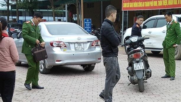 Vụ trung tá tử nạn: 'Xem từng dấu vết trên 2 xe'