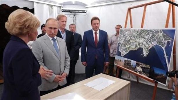 Bất lực trước Nga ở Azov, Mỹ quyết cắt dây cung Crimea-Kaliningrad?