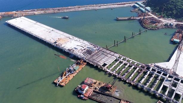 Xây cảng Liên Chiểu: 'Phải làm một cách thuyết phục'