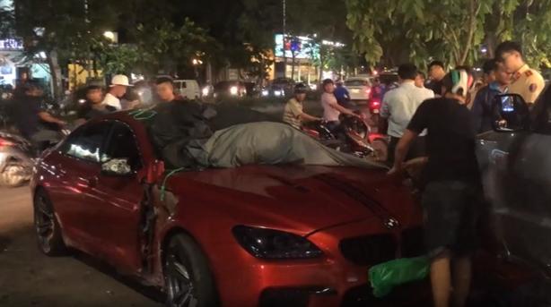 Xe BMW 7 tỷ đồng gây tai nạn: Lạc tay lái