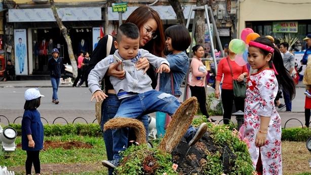 Bí thư Hà Nội: Xử phạt để không giẫm đạp lên hoa