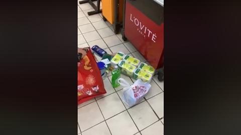 Bảo vệ siêu thị lục soát đồ của khách: Điểm mấu chốt