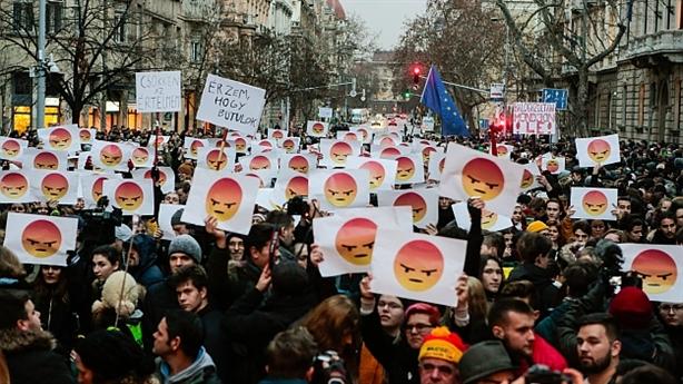 Châu Âu lại rung chuyển vì các biểu tình kiểu Áo vàng