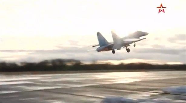 Su-27 cất cánh chặn máy bay Thụy Điển nhòm ngó lãnh thổ