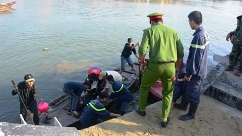 Chở vợ con lao xuống sông: Tiếng kêu lúc một giờ sáng
