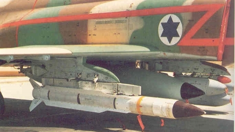 Syria gặp ác mộng khi tên lửa AGM-88 HARM Israel xung trận?