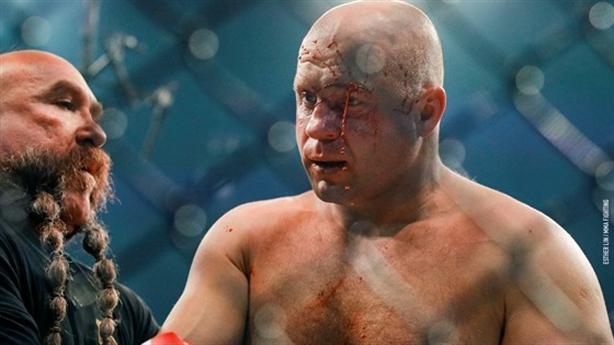 Võ sĩ Nga bị knock-out khi chưa đầy 1 phút