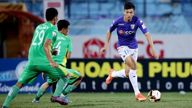 Cầu thủ Việt Nam được giải Tây Ban Nha săn đón
