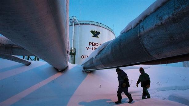 Vì sao Nga chấp nhận chỉ trích chậm giảm sản lượng dầu?