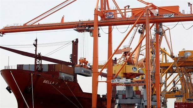 Độ mở lớn nhất thế giới, kinh tế Việt dễ tổn thương