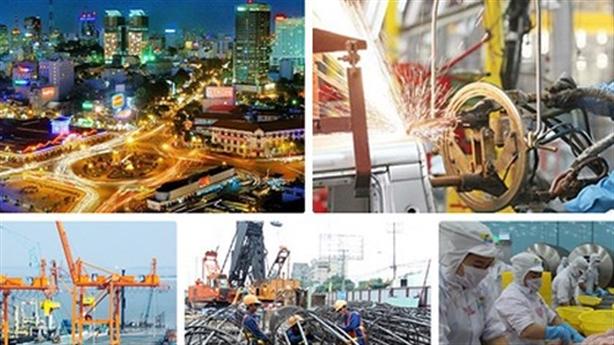 TS Trần Đình Thiên: Kinh tế vừa chạy vừa phải thay đổi
