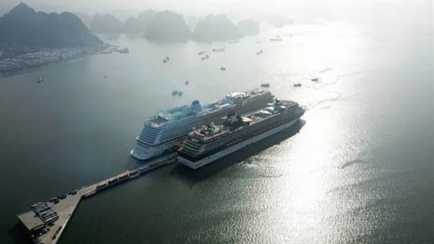 """Du lịch tàu biển Việt Nam: """"Mỏ vàng"""" đang dần khai lộ"""
