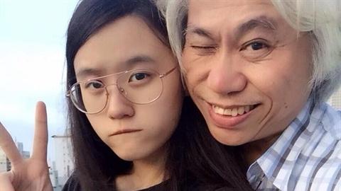 Cái kết sốc chuyện đạo diễn U70 với bạn gái 23 tuổi
