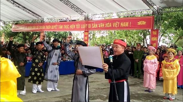 Dự hội Minh Thề xong tranh thủ đi lấy ấn Đền Trần