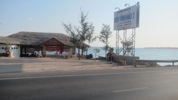 Nhà hàng xây trên bãi biển: Không vi phạm quy định?