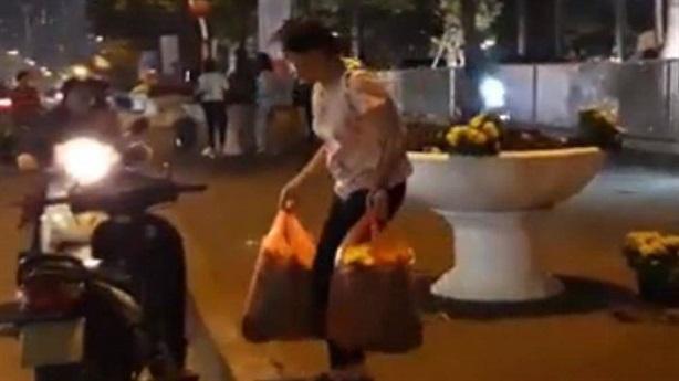 Tranh cãi vụ dân lấy hoa sau thượng đỉnh Mỹ-Triều