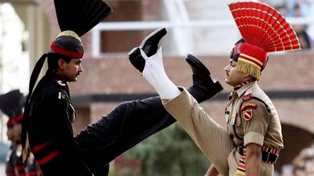 So sánh tổng quan thực lực quân sự Ấn Độ và Pakistan
