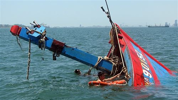 Cập nhật vụ tàu cá Quảng Ngãi bị tàu Trung Quốc đâm
