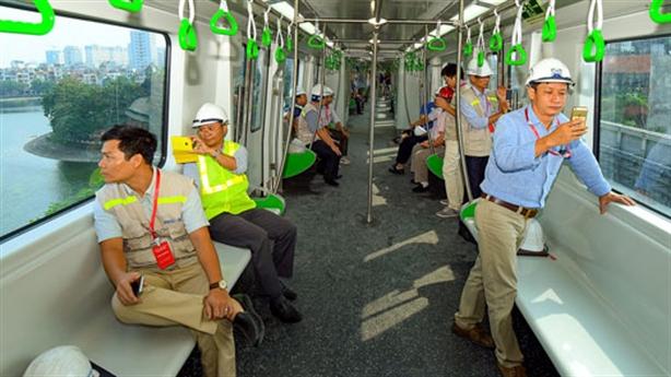681 người phục vụ 13km đường sắt: