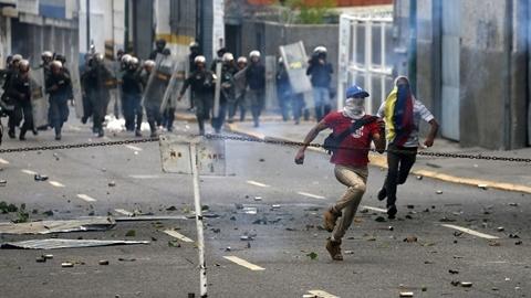 Lý do Mỹ rút nhân viên ngoại giao khỏi Venezuela