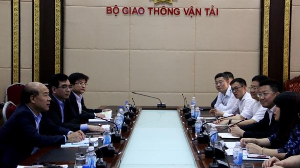 Tứ Xuyên muốn hợp tác giao thông đường bộ với Việt Nam