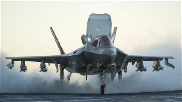 Mỹ vắt sức hiện đại hóa quân đội, Nga chỉ giả vờ...