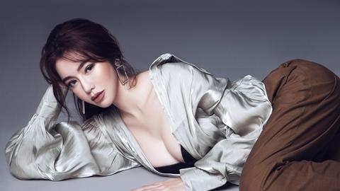 Trọn bộ ảnh mới nóng bỏng: Elly Trần sẽ thành công'?