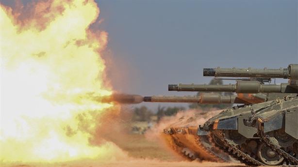 Gaza biến thành lò lửa khi xe tăng Israel khai hỏa