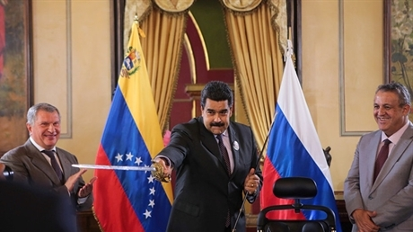 Nga đến Venezuela: Mỹ không thể giúp Guaido đảo chính