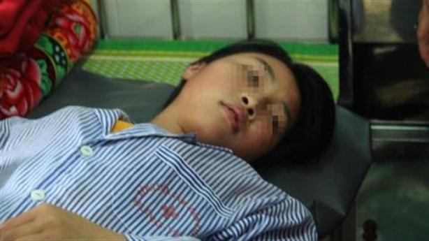Thông tin bất ngờ vụ nữ sinh bị đánh, lột đồ