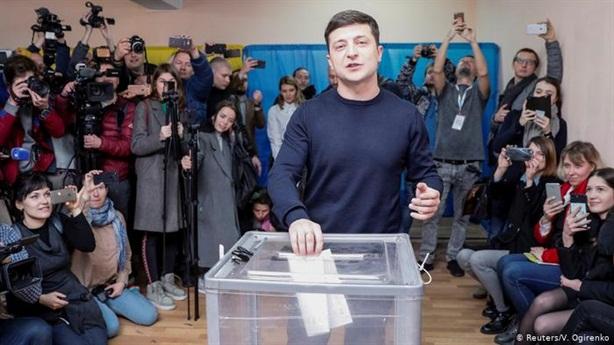 Giám sát viên NATO: Dân Ukraine ở Nga không được bỏ phiếu
