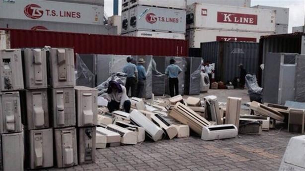 Hai phương án xử lý 23.000 container phế liệu tồn đọng