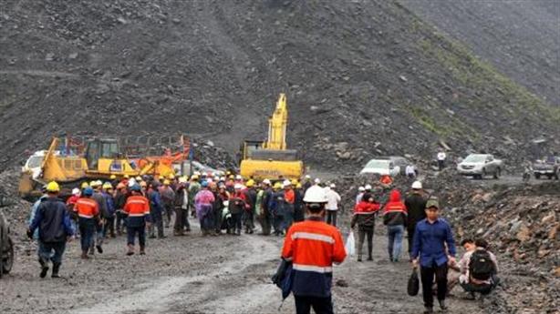 Công nhân khai thác than xô xát: Tiếp tục thị uy
